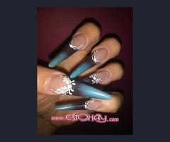 Formación a profesionales de uñas