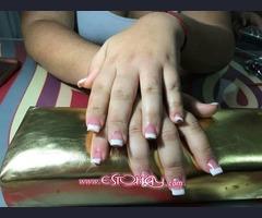 Uñas acrílicas y uñas permanente