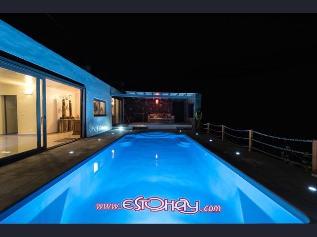Villa estupenda con piscina privada en arrieta arrieta for Villas en lanzarote con piscina privada