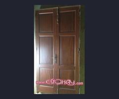 puerta y 2 ventana de madera