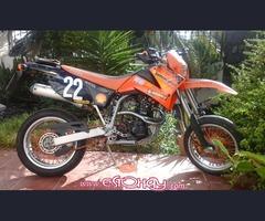 Se vende Moto KTM LC4