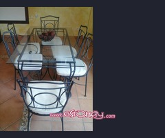 Table and 6 Chairs Mesa y 6 sillas
