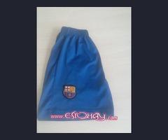 Barcelona Replica Shorts adecuado de 8 a 10 años. Buen estado