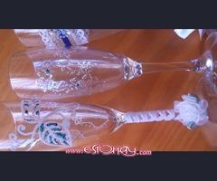Se venden copas de boda con decoraciones