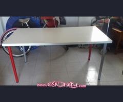 mesa de 150 x 75 cm con patas regulables y desmontables