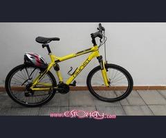 Bicicleta Ghost SE 1200 especial con casco