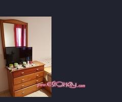 Vendo canapé. colchón, una cómoda con el espejo tmb incluye la manta grande.