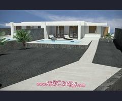 Chalet con piscina de obra nueva en Playa Blanca de 5 hab.