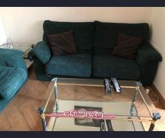 Mueble salón con mini bar a juego más sofá 2+1+1 y mesitas de salón.