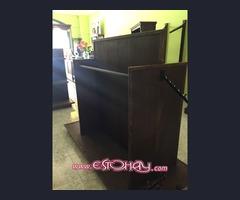 se vende mobiliario de tienda de ropa