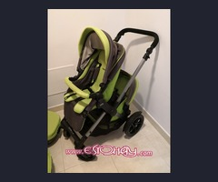 Carro gemelar o coche de bebé de diferentes edades