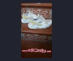 Zapatillas de la marca adidas y nike