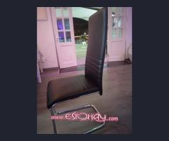 sillas negras en polipiel
