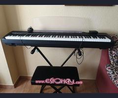 piano digital Yamaha 88 teclas contrapesadas + Soporte piano y banqueta