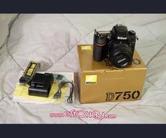 Nueva Nikon D700 camera