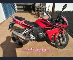 Se vende Moto Honda CBR125
