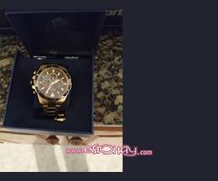 Se vende reloj festina bañado en oro