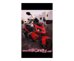 Vendo Scooter Derbi 125