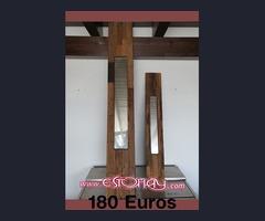 Vigas de madera rustica con espejos