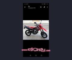 Honda 250cc crm muy nueva y cuidada