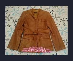 Se vende chaqueta de piel color marron