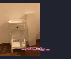 Mesa de noche infantil más 2 estanterías