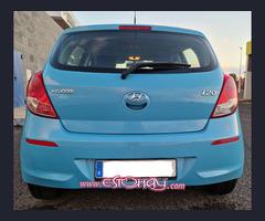 Hyundai i10 Azul