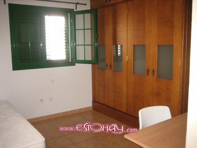 Apartamento en san bartolom cercano al centro educativo for Muebles san bartolome